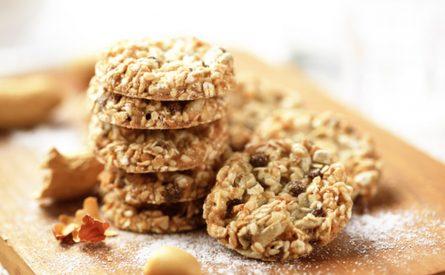 עוגיות שיבולת שועל, שומשום ואגוזים